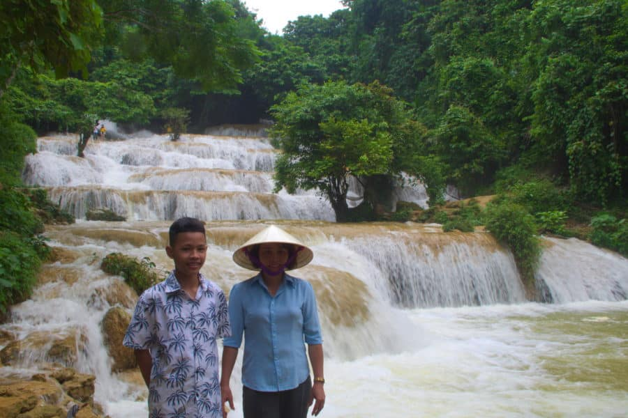 Vietnamese son and daughter at Cloud wateerfall Pu Luong Reserve