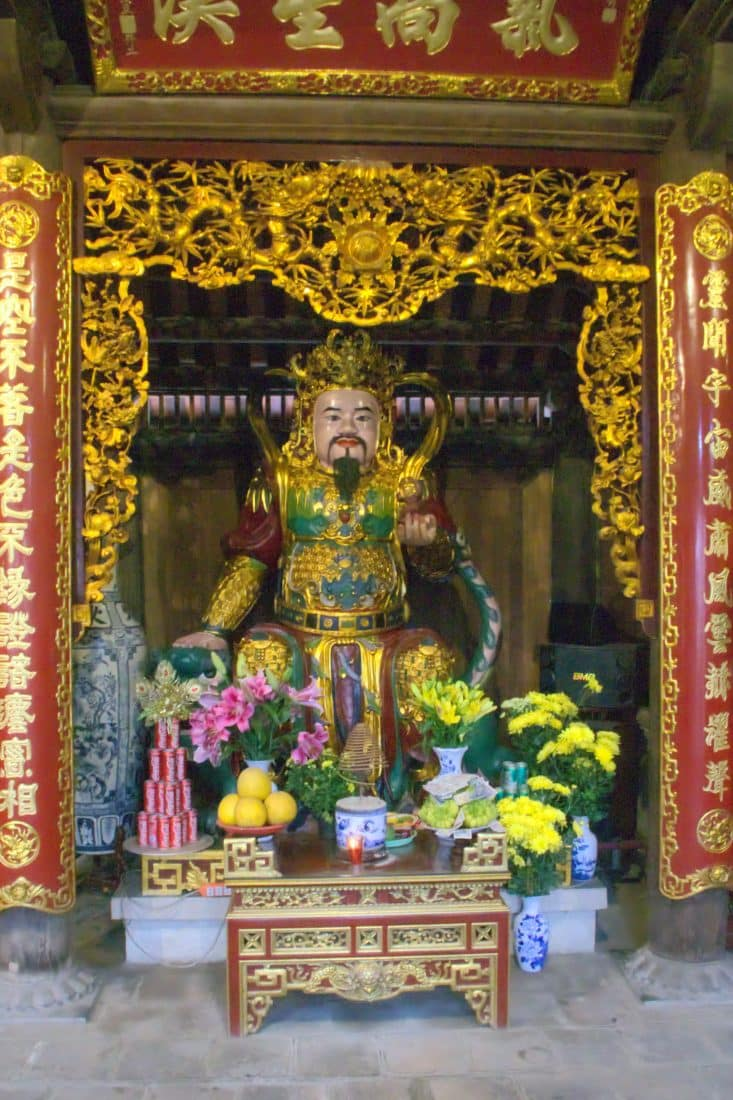 Vietnamese altar with flower and fruit at the Phat Tich temple